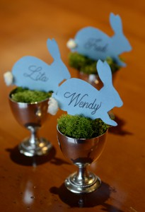 Make these cute place cards for your Easter Dinner
