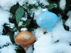 homemade-baubles-add-sparkle